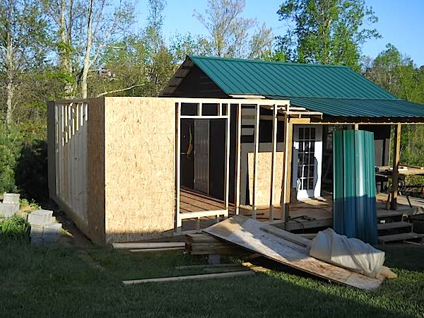How to build a deck how to build a small house cheap for How to build a cheap house