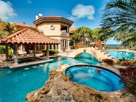 Dream Homes with Indoor Pools Dream House with Pool