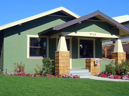 Craftsman bungalow house california craftsman bungalow for Bungalow style homes for sale