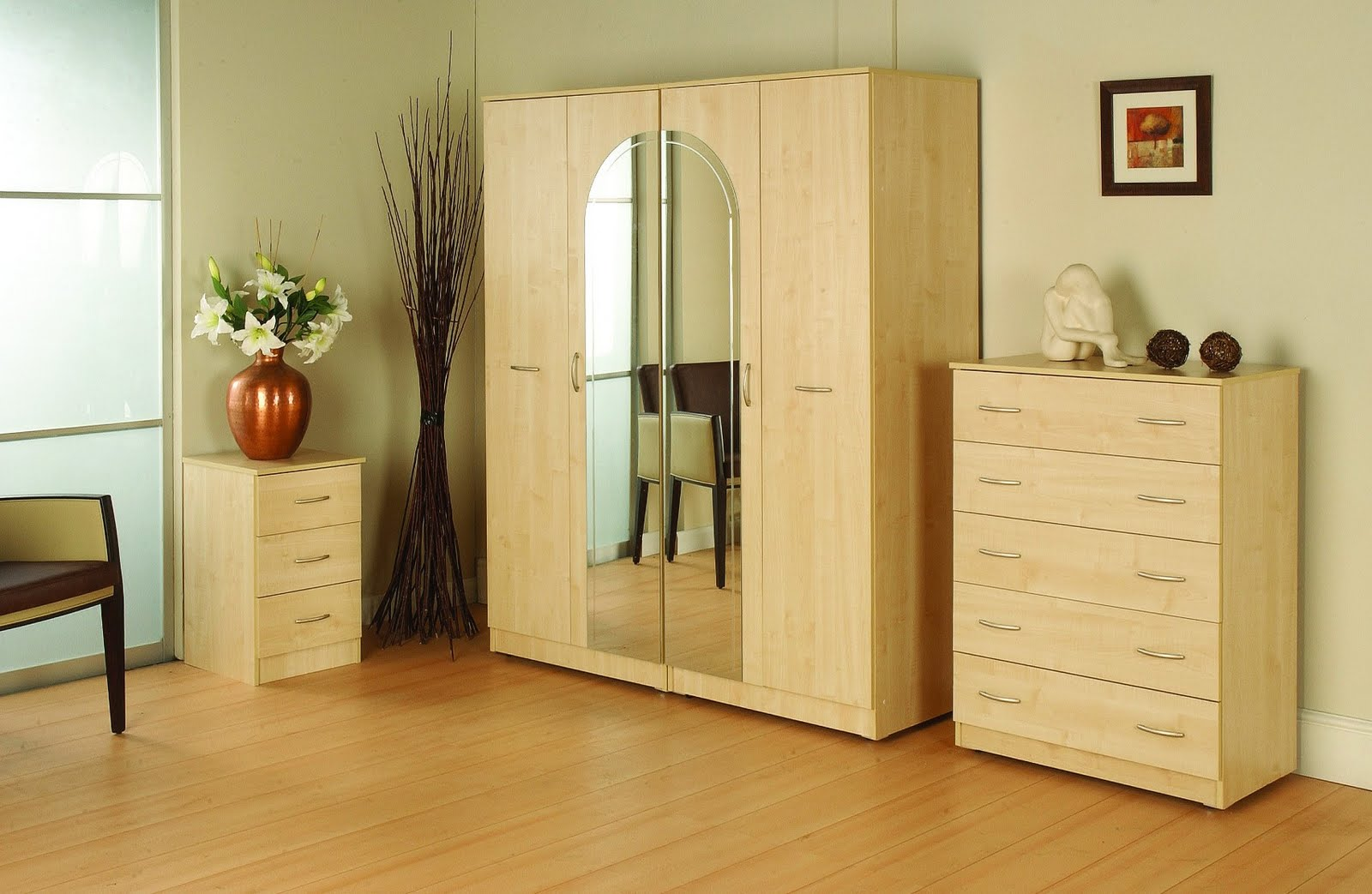 Bedroom wardrobe designs india wardrobe interior design 2 for Double bedroom interior designs
