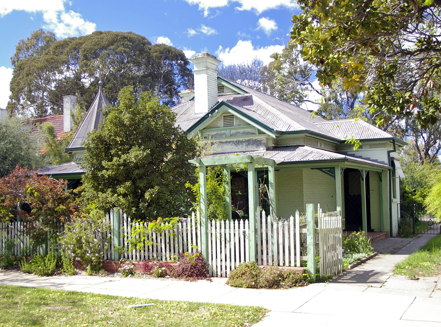 Californian Bungalow Style Homes Cottages And Bungalows