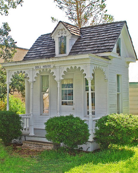 Tiny Victorian House Tiny Romantic Cottage House Plan