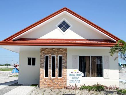 Cavite bungalow type house type 2 story bungalow houses for Bungalow model houses philippines