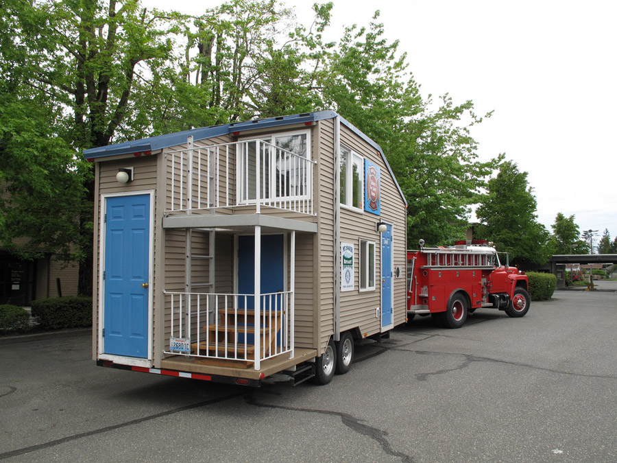 tiny house on trailer tiny house trailer plans  mini house