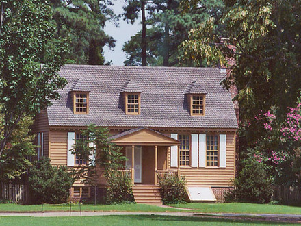 Colonial williamsburg style homes williamsburg style home for Williamsburg style house plans
