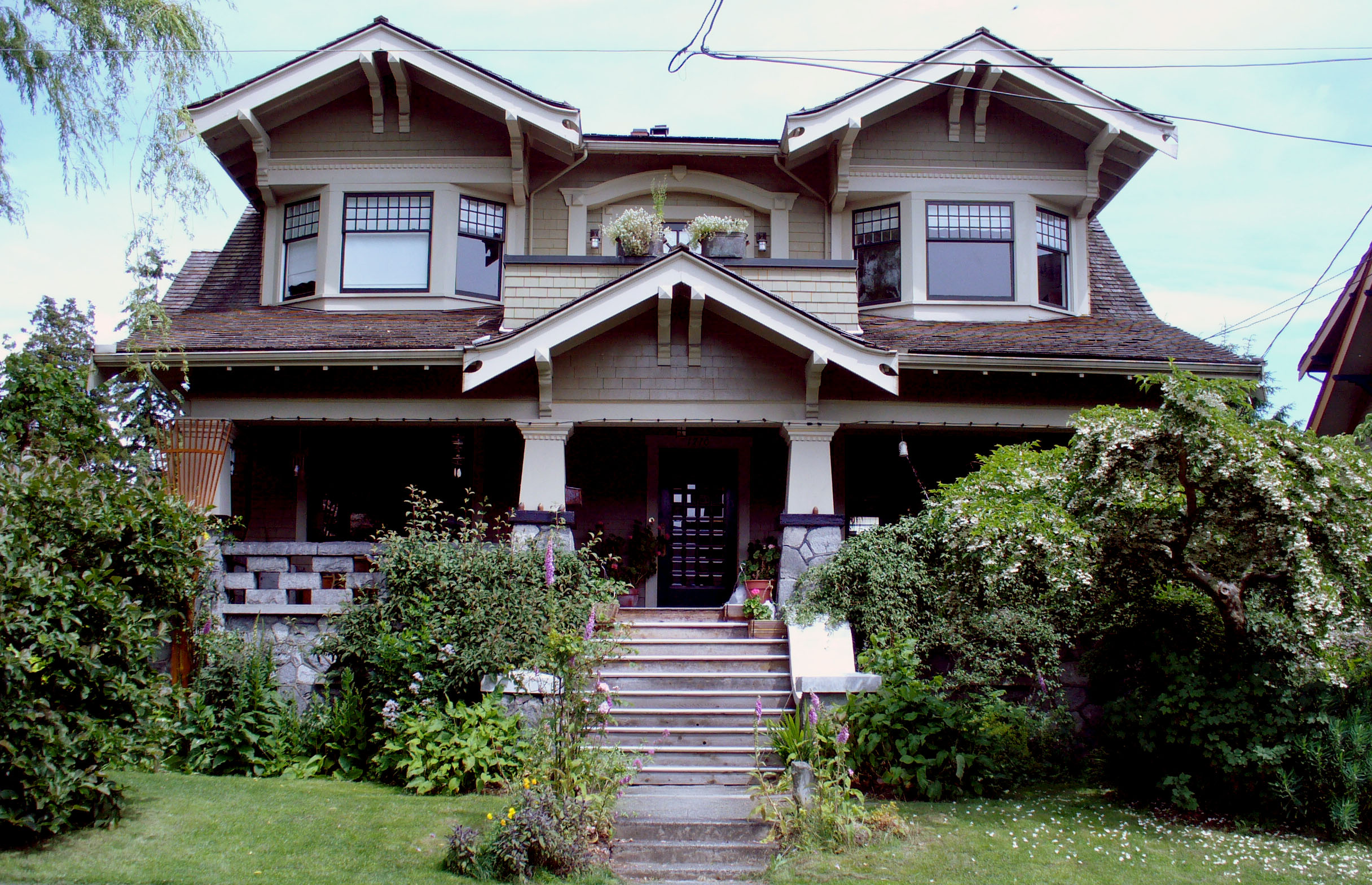 Arts and craftsman style homes art deco art craftsmans for Mission style prints