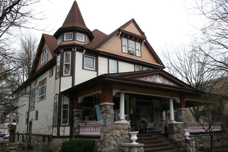 Queen anne style home tudor style homes early 1900s house for Queen anne style house plans