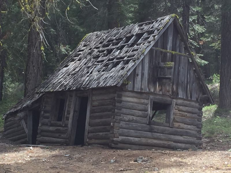 Old log hunting cabins cabin pictures s