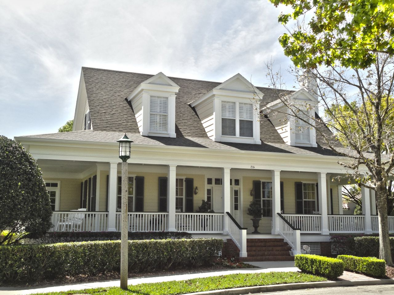 Victorian house plans with wrap around porch victorian era for Beach house designs with wrap around porch