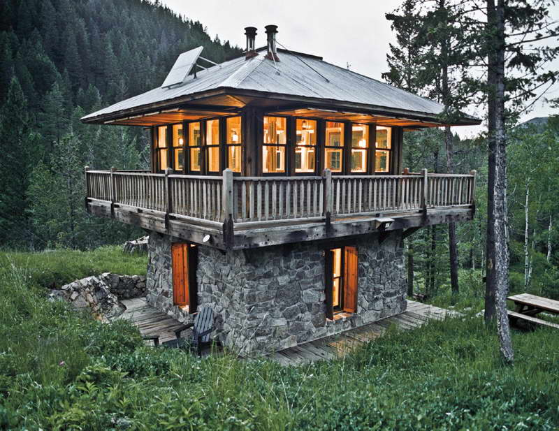 Small cabins in montana montana tiny house tiny home for Building a small house