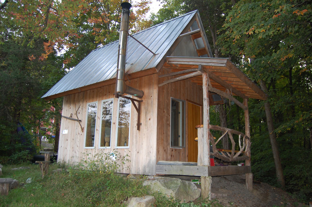 Tiny house on wheels small cabins tiny houses in new york for Log cabins in ny