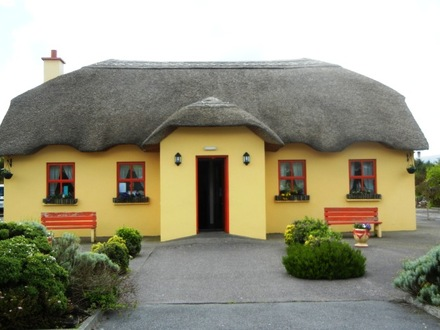 Thatched Roof Houses in Ireland Ireland Thatched Houses