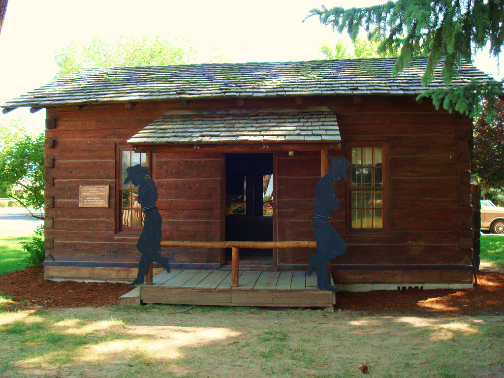 2 bedroom log cabin plans inside a small log cabins 2 for 2 bed 2 bath log cabin kits
