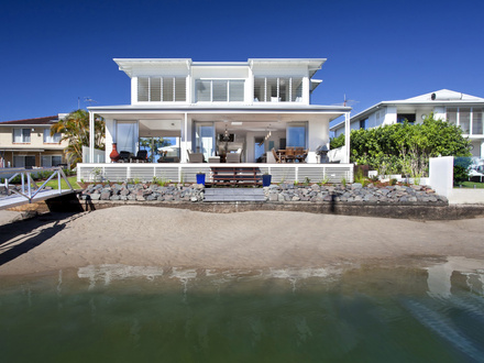 Airy beachfront home with contemporary & casual style Luxury Beachfront Homes