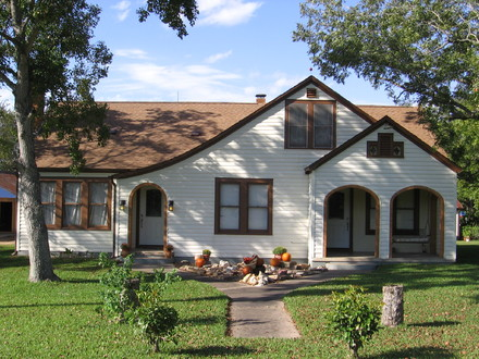 Federal Style House Bungalow Style House