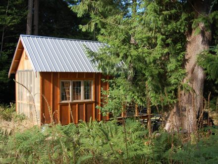 Building a Small Rustic Cabin Small Town Buildings