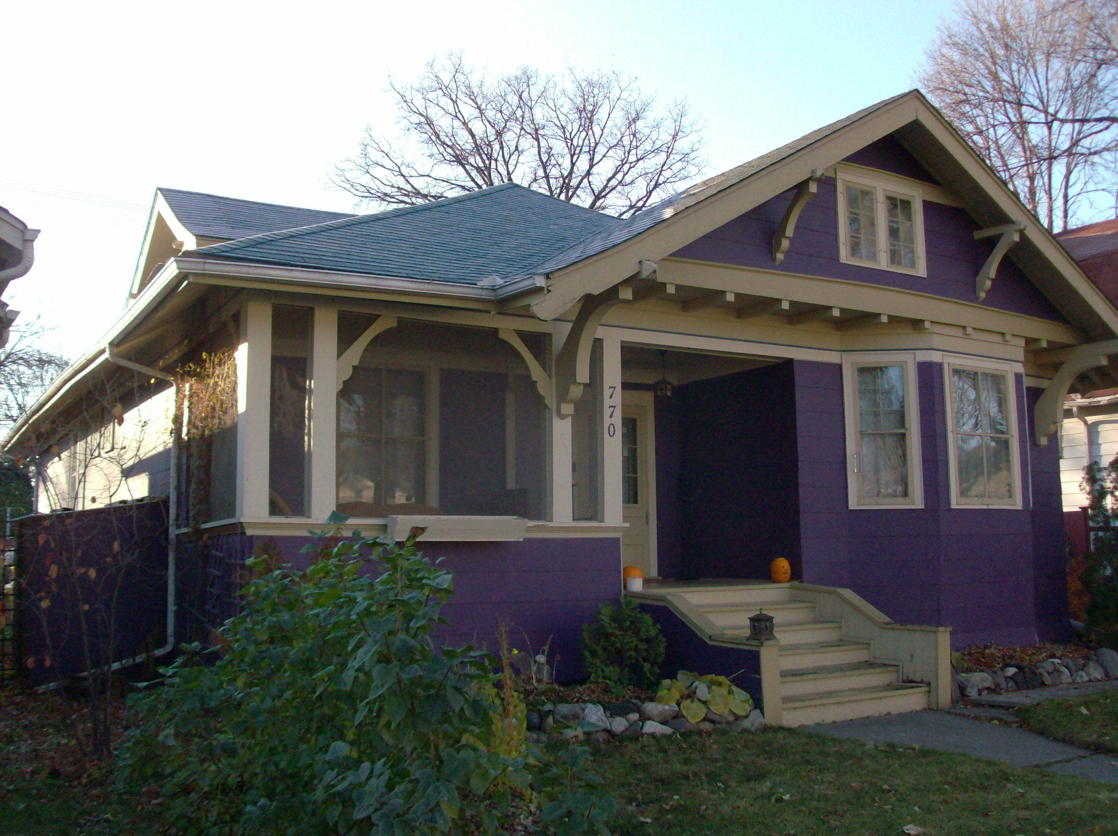 Arts and crafts style bungalow arts and crafts style for Craftsman style architecture