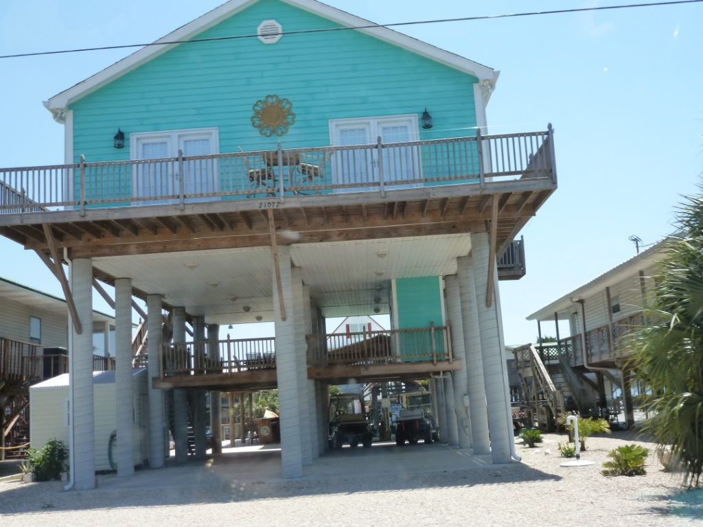 Ranch Home Floor Plan Small Beach House On Stilts Beach House On Stilts Beach