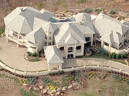 Mark wahlberg 39 s beverly park house 30000 square foot for 30 000 square foot house plans