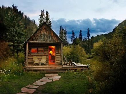 Beautiful Small Log Cabins Inside a Small Log Cabins