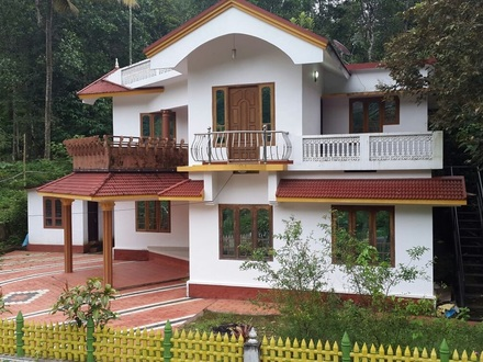 Misty Green Cottages Munnar Booking : 088836 22555 Misty Edwards