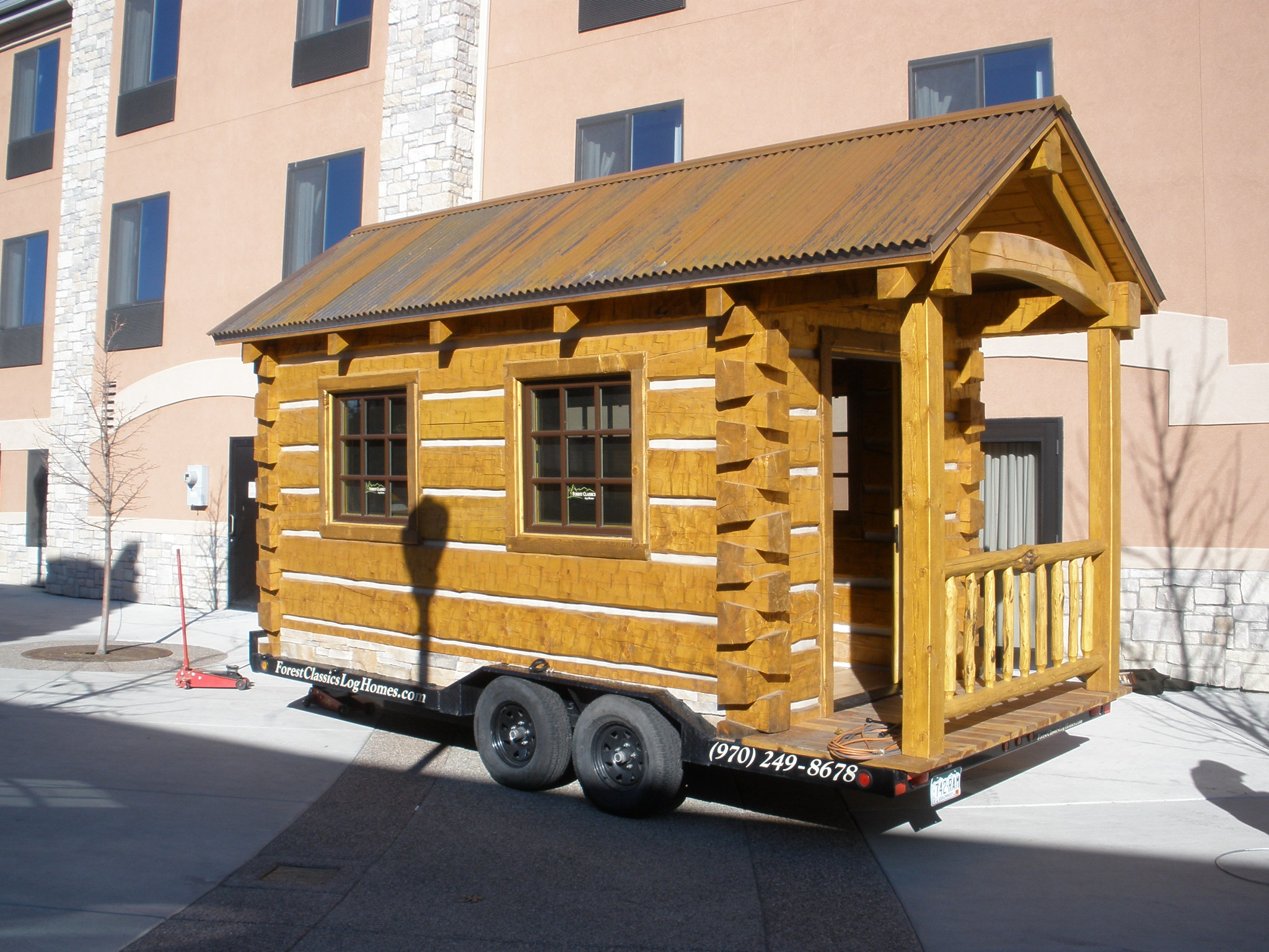 portable log cabins cabins on wheels used small hunting. Black Bedroom Furniture Sets. Home Design Ideas