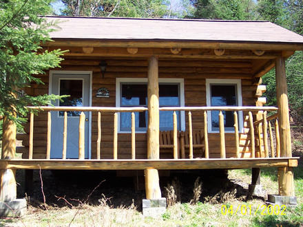 Washington yurts cabins modern yurt homes campground for Single room log cabin kits
