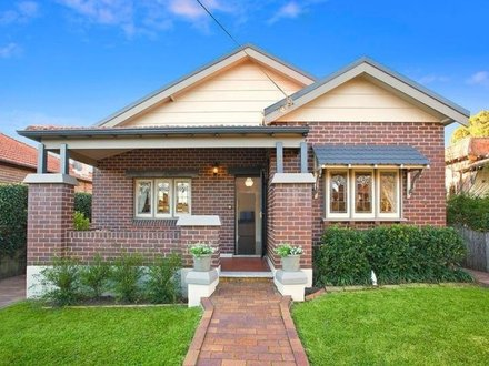 Photos of Bungalow Houses with Brick Exterior Saltbox House