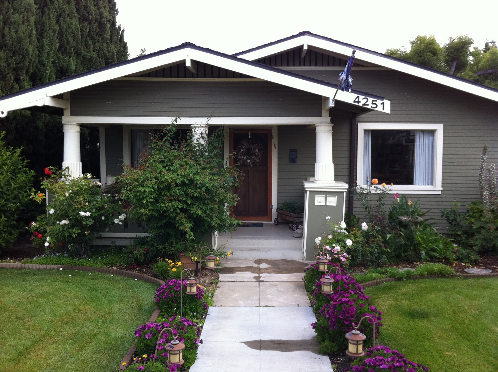 California craftsman bungalow front porch california for Craftsman style homes for sale in california