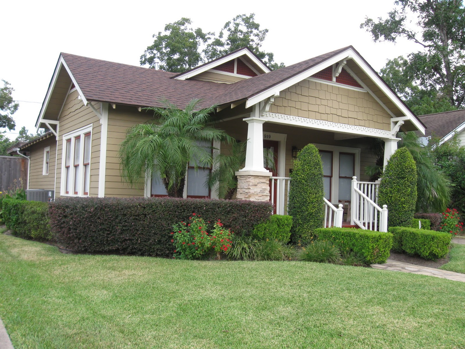 Cottage style homes american bungalow style homes picture for Model house bungalow type