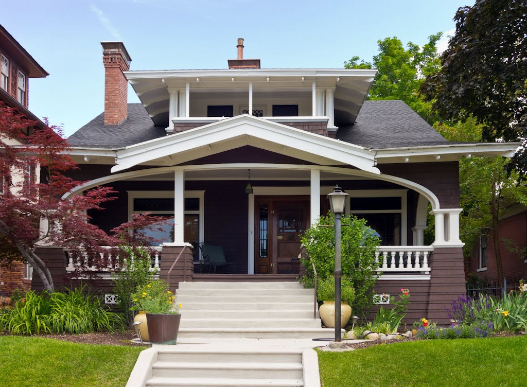 Craftsman bungalow style houses craftsman bungalow house for Craftsman house plans utah