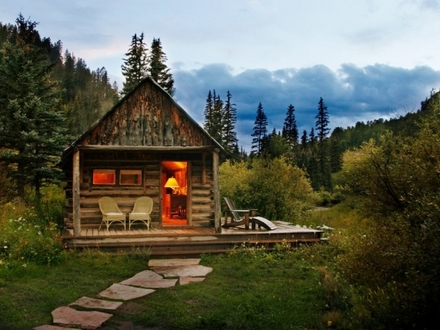 Pre Built Cabins For Delivery Log Cabin Portable Storage