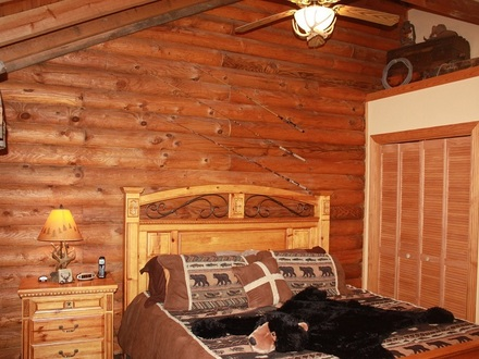 Log Cabin Bedroom View Log Cabin Romantic Bedrooms