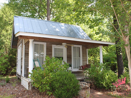 Backyard house tiny houses backyard guest house plans for Cottage guest house plans