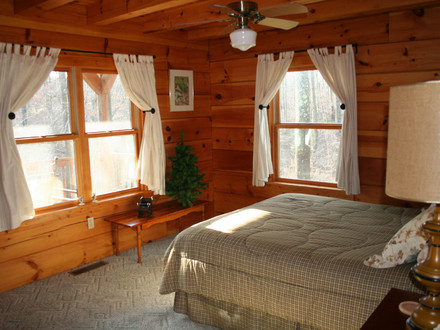 Log Cabin Master Bedrooms Small Log Cabin Bedrooms