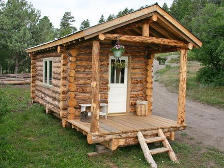 Small Log Cabin Build Inside a Small Log Cabins