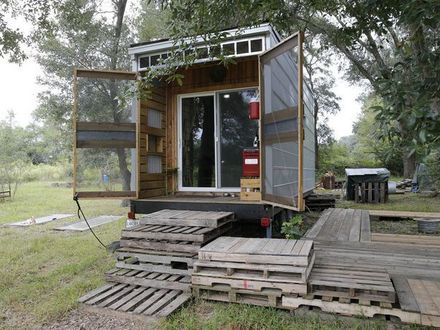 Tiny House Floor Plans Tiny House Made Out of Recycled Materials